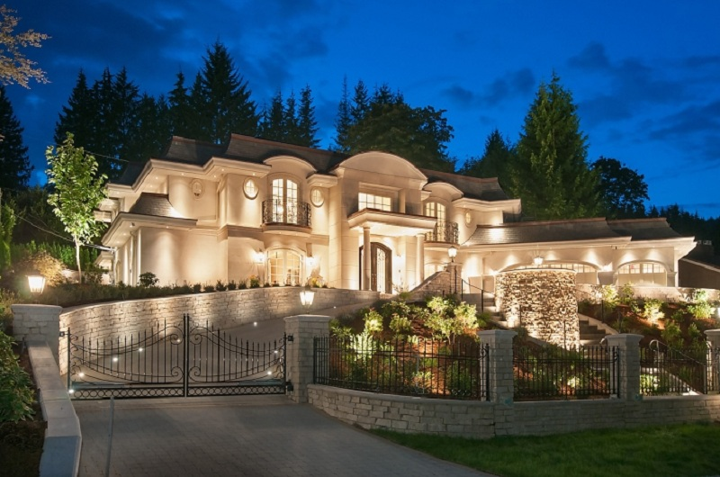 Luxury homes for sale in canada trenchpress for Home builders in canada
